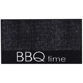 tapis pour protéger des projections de braise. Le temps du BBQ.
